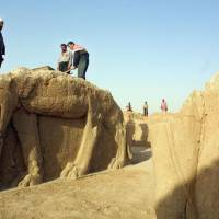Iraq calls for air power to protect antiquities
