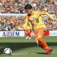 Omae double helps S-Pulse to win over Antlers