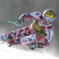 Hirscher claims World Cup giant slalom title