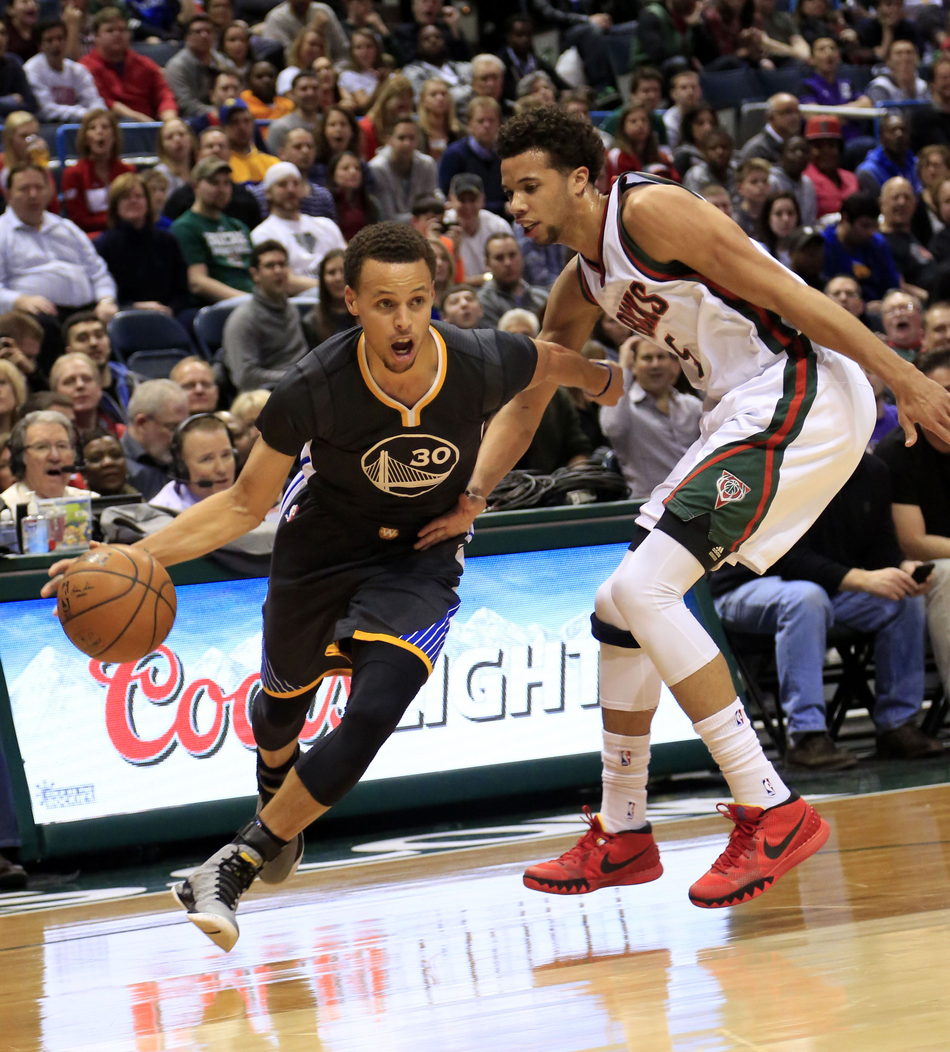 Hayward Scores 32 As Jazz Beat Nuggets: Sixty Is Nifty: Golden State's Stephen Curry Drives On