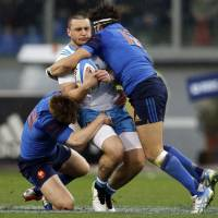 France shuts out Italy in ugly match