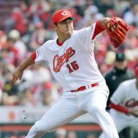 Carp hoping Kuroda can be final piece in title puzzle