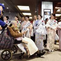 Media caught up in festive PR atmosphere of new Hokuriku bullet train