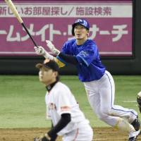 Kajitani, Lopez spark BayStars in rout of Giants