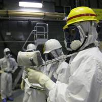 Expected surge in workers hitting radiation limit leaves No. 1 plant's decommissioning in jeopardy