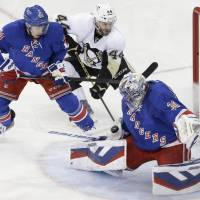 Rangers triumph in Game 1