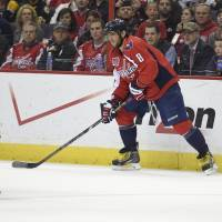 Holtby, Capitals shut out Bruins for third time this season