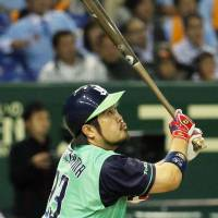 Hatakeyama's 11th-inning homer carries Swallows past Giants