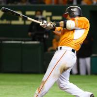 Murata stays hot at plate as Giants defeat Dragons