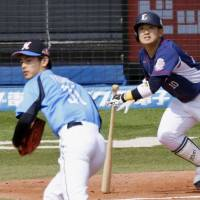 Lions' Togame shuts down Marines, spoils Tanaka's debut