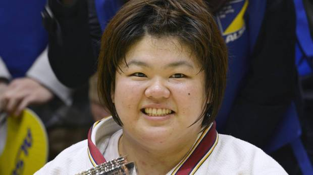 Tachimoto claims title at nationals