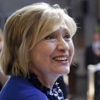Clintons report raking in $25 million for speeches since January 2014