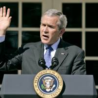 White House hopefuls from both parties distance themselves from 2003 Iraq war decision