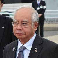Abe to pitch bullet train tech in talks with Malaysian leader