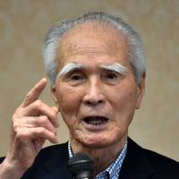 Murayama urges hawkish Abe to avoid diluting war apology