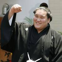 Terunofuji promoted to ozeki after victory
