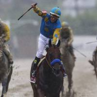 American Pharoah captures Preakness, awaits Triple Crown attempt at Belmont Stakes