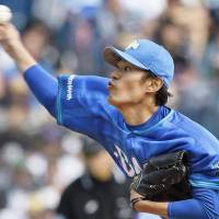 BayStars starter Ino stays poised, escapes trouble on mound