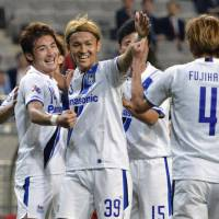 Usami strikes twice to lead Gamba past Seoul in ACL