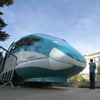 Popular elsewhere, high-speed rail remains elusive in U.S.