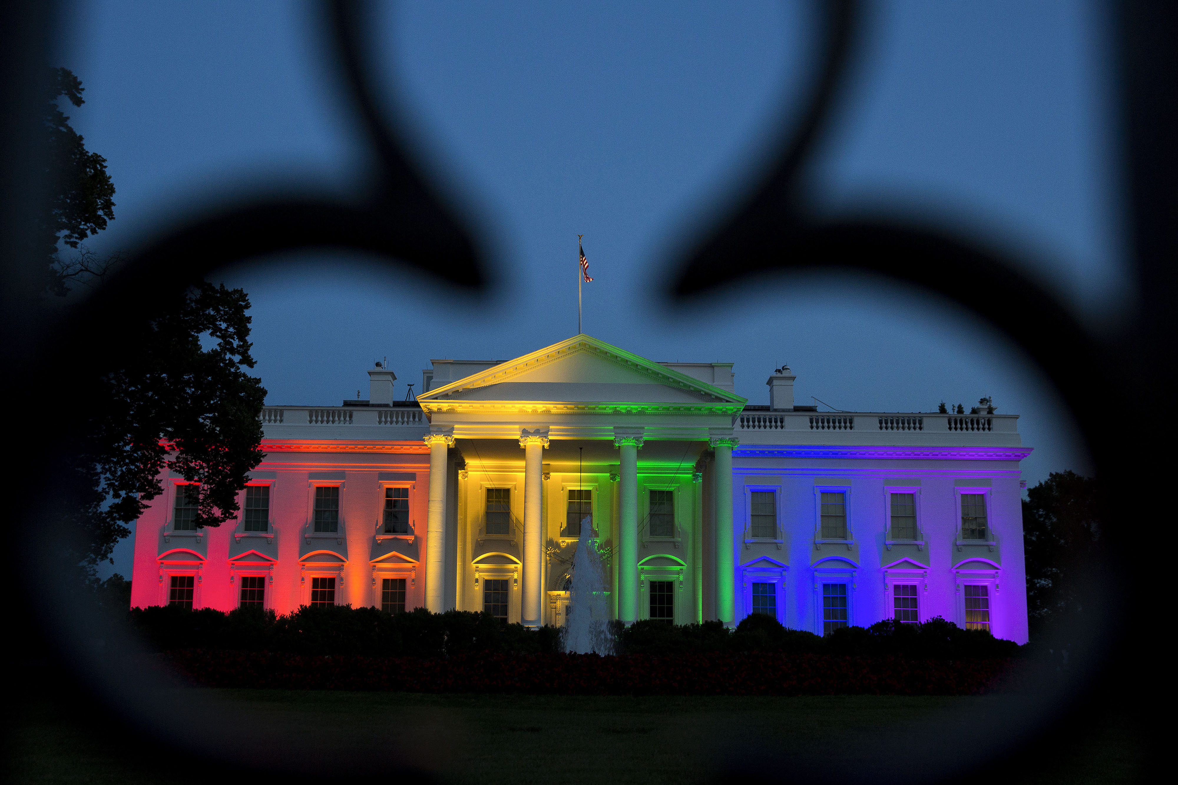 White house lit in rainbow colors after supreme court ruling page 8