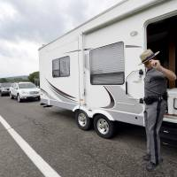 Possible sighting shifts N.Y. manhunt for escaped killers to near Pennsylvania line