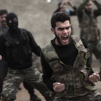U.S. program to train Syrian rebels to fight Islamic State losing ground