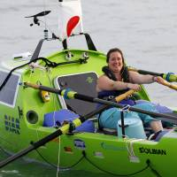 U.S. woman sets out on trans-Pacific rowboat journey from Chiba