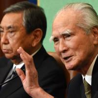 Murayama, Kono assail revisionism, urge Abe to uphold their apologies in entirety