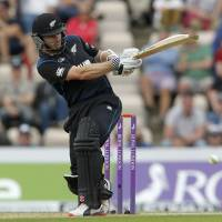 New Zealand beats England in third ODI