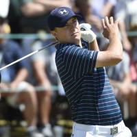 Spieth survives wild ending at U.S. Open