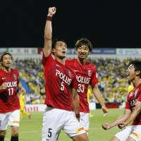 Urawa closing in on J. League first-stage title