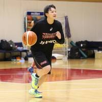 Guards Yoshida, Machida aiming high with national team