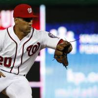 Nats split DH against Jays