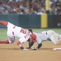 Trout puts on big show against Yankees