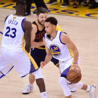 Curry, Warriors overcome LeBron to move to brink of NBA title