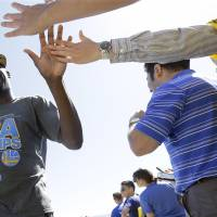 Warriors make triumphant return to Bay Area