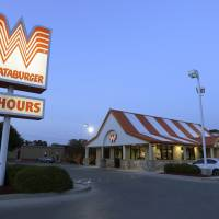 Texas chain Whataburger takes a stand against state's new open carry law