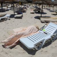 'Highly likely' terrorist attack risk spurs London to tell Brits to quit Tunisia; tourism plummets