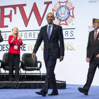 Obama pitches Iran deal to vets, TV host Stewart