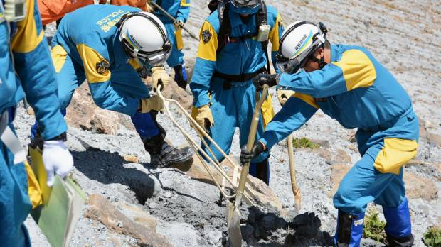 Mount Ontake searchers recover body from September eruption