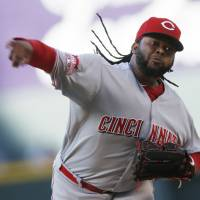 Royals get Cueto in trade with Reds