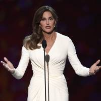 Emotional Jenner accepts Ashe Courage Award at ESPYs