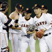 Giants pounce on Fujinami en route to fifth consecutive triumph