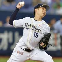 Kaneko snaps three-game personal slide, guides Buffaloes past Marines