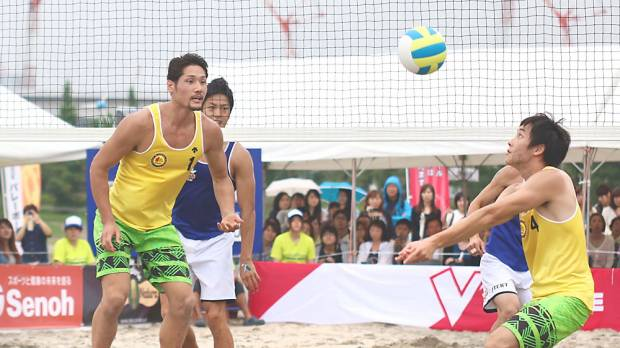V-League stars hit beach for special exhibition