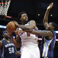 Mavs pry Jordan away from Clippers