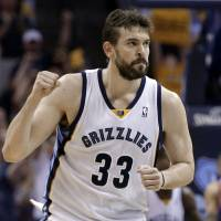 Gasol confirms new five-year deal with Grizzlies
