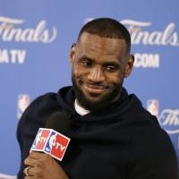 LeBron signs two-year contract with Cavs