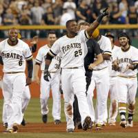 Polanco lifts Pirates with walk-off hit in 10th inning